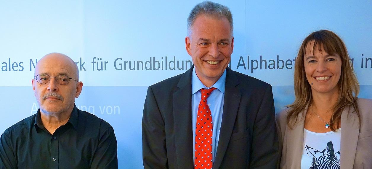 Wolfgang Veiglhuber, Matthias Jena und Sabine Eger stellen das MENTO-Projekt vor.